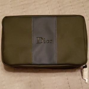 Dior - toiletry pouch